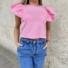 Kép 1/3 - Candy fodros vállú póló - rózsaszín
