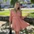 Kép 2/3 - Beverly ruha övvel - lazac