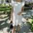 Kép 2/3 - Malibu ruha fodorral - fehér